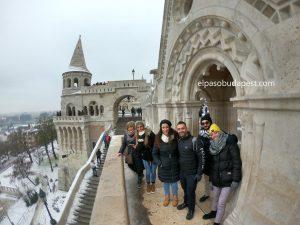 Turistas realizando este Free Tour Budapest en 2019 Diciembre 05 jueves 10:30 hrs en el Bastión de los pescadores en Budapest