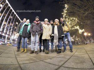 Grupo de turistas de Free Tour en Budapest en invierno 2019 Diciembre 07 sábado a las 18:30 hrs frente al hotel Continental