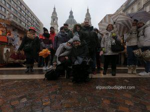 Turistas del Free Tour Budapest en el año 2019 Diciembre 12 jueves de 10:30 hrs en la feria navideña en plaza de San Esteban