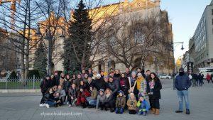 Grupo de Free Tour Budapest 2019 Diciembre 26 jueves tour de las 14:30 hrs frente al Vigadó Concert Hall en la plaza Vigadó