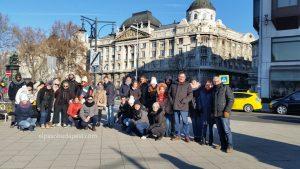 Grupo Free Tour Budapest 2019 Diciembre 31 martes tour de las 10:30 hrs frente al ministerio de interior de Budapest