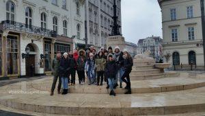 Visita guiada en Budapest en Free Tour en 2020 Enero 19 Domingo tour de las 10:30 hrs foto junto al Café Gerbeaud de Budapest