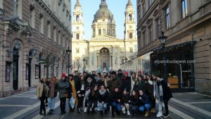 Visita guiada en Budapest en Free Tour en 2020 Enero 20 Lunes tour de las 14:30 hrs foto frente a la Basílica de San Esteban