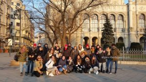 Visita guiada en Budapest en Free Tour en 2020 Enero 20 Lunes tour de las 14:30 hrs foto frente al Vigadó Concert Hall