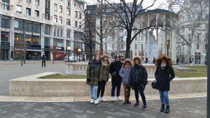 Visita guiada Free Tour Budapest en 2020 Enero 22 Miércoles tour de las 14:30 hrs frente a la estatua de Vörösmarty Mihály