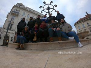 Miembros del Free Tour de Budapest por la tarde en 2020 Enero 30 Jueves tour 14:30 hrs en la plaza Vörösmarty Mihály