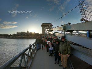 Participando en el Free Tour de Budapest en 2020 Febrero 11 Martes tour de las 14:30 en el puente de las cadenas de Budapest