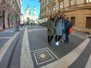 Free Tour Budapest 2020 Febrero 13 Jueves tour de las 14:30 paseo de las estrellas frente a la Basílica de San Esteban