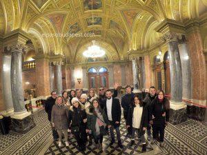 Iniciando el Free Tour de Budapest en 2020 Febrero 14 Viernes tour de las 10:30 horas en el interior de la ópera de Budapest