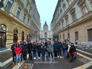 Divertido Free Tour en Budapest en 2020 Febrero 19 Miércoles tour de las 14:30 horas frente a la Basílica en un día lluvioso