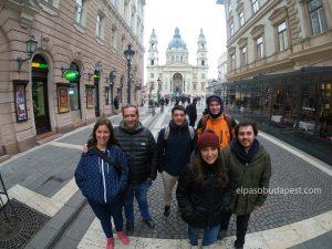 Free touring Budapest en español en el 2020 Febrero 26 Miércoles tour de las 14:30 horas frente a la Basílica de San Esteban
