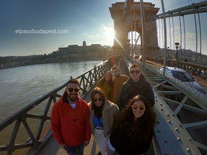 Participando en el Free tour en español de Budapest el 2020 Marzo 09 Lunes tour de las 14:30 horas desde el puente de cadenas
