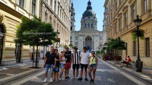 Grupo del Free tour Budapest en español el 2020 Agosto 12 Miércoles tour de las 10:30 horas frente a la Basílica de Budapest