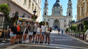 Free Tour BudapestVisita turística guiada a pie Free tour Budapest 2020 Agosto 31 Lunes tour de las 10:30 horas frente a la Basílica