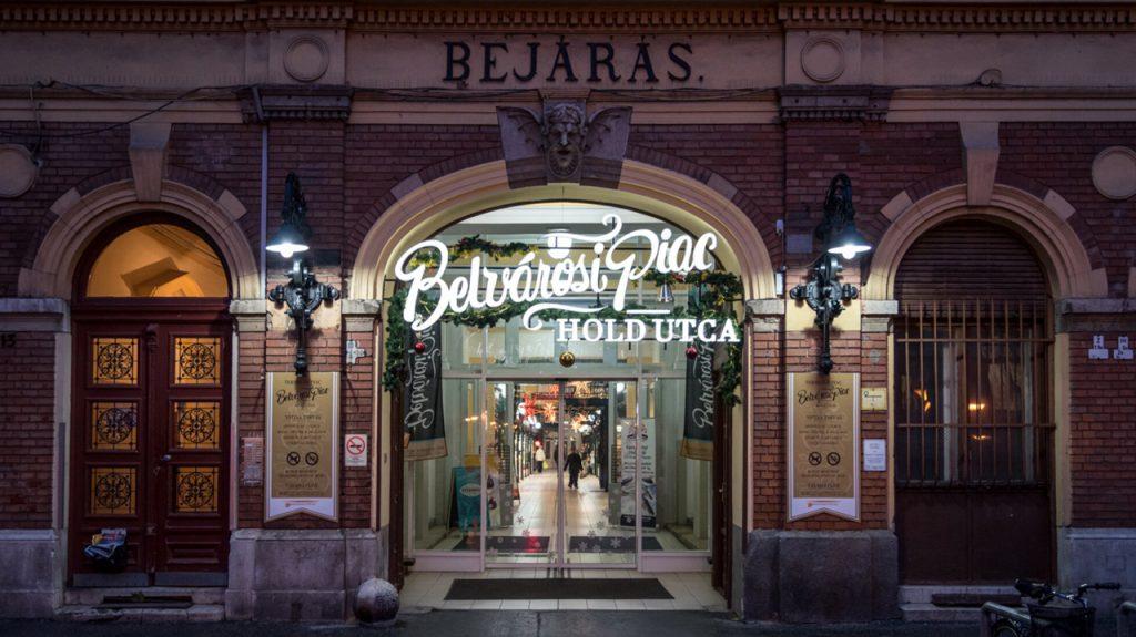 Belvárosi Piac mercado del centro de Budapest Hungría