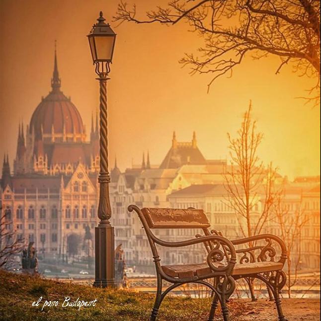 Parlamento de Budapest Hungría que se ve en el Free tour Pest en español