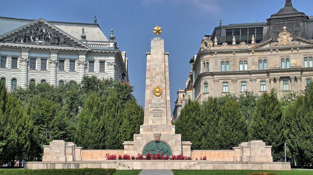 Plaza de la libertad Budapest Cosas qué hacer