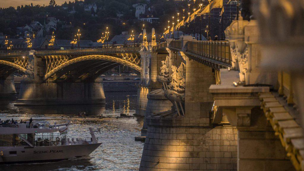 Puente de Margarita en Budapest Hungría